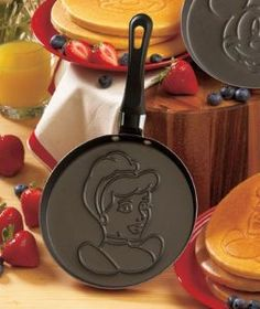 Cooking/Disney/Cars/Cinderella/Mickey - Disney Pancake Pan Preorder free s/h no fee Disney Home, Disney Fun, Disney Magic, Disney Pixar, Walt Disney, Disney Dream, Disney Snacks, Cinderella Disney, Disney Recipes