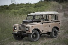 Starring: Land Rover Series III By drop photography Land Rover 88, Land Rover Series 3, Land Rover Defender, My Dream Car, Dream Cars, Landrover Serie, Lander Rover, Vintage Jeep, Off Road