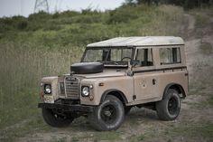 Starring: Land Rover Series III By drop photography Land Rover 88, Land Rover Series 3, Defender 90, Land Rover Defender, My Dream Car, Dream Cars, Lander Rover, Vintage Jeep, Vintage Toys
