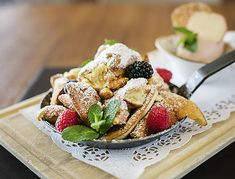 French Toast, Breakfast, Food, Easy Meals, Kuchen, Food Food, Morning Coffee, Essen, Meals