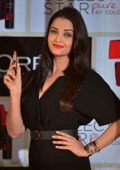 Aishwarya Rai assiste à un événement L'Oréal Paris à Bombay en Inde en janvier 2015.