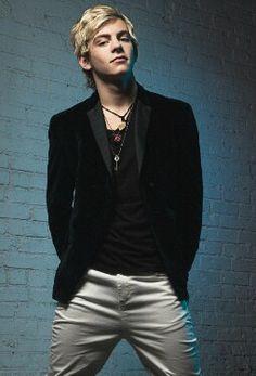 Ross Lynch! the guy I love!! Thank god he's 18 so I don't feel like a perv!