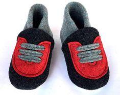 WOOL&COMFORT от BELITI на Etsy Felted Slippers, Baby Shoes, Wool, Unique, Fashion, Felt Slippers, Moda, La Mode, Baby Boy Shoes