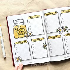 bullet journal \ bullet journal + bullet journal ideas + bullet journal layout + bullet journal inspiration + bullet journal doodles + bullet journal weekly spread + bullet journal how to start a + bullet journal ideas layout Bullet Journal School, Bullet Journal 2019, Bullet Journal Notebook, Bullet Journal Timetable, Bullet Journal Bookshelf, Bullet Journal Savings Tracker, Bullet Journal Prompts, Bullet Journal Lettering Ideas, Bullet Journal Banner