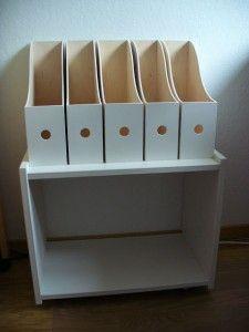 Additional shelf for a desk made with Ikea Knuff magazine