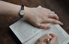 時代の技術の結晶であるアンティーク腕時計。アクセサリーとしても使えるので、是非自分だけの一点ものを探してみてくださいね。