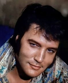 Memphis Mafia, Elvis Presley Pictures, Young Elvis, King Of Music, Music Photo, Graceland, Gorgeous Men, Mississippi, Rock And Roll