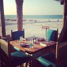 Turquoiz dining with a view.