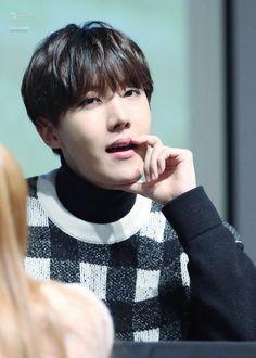 02-01-2016 BTS fansign en Myeong-dong
