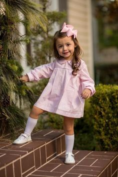 """""""Presley Kait"""" Pink Windowpane Bloomer Set Girls Fave The Oaks Apparel Co. - April 27 2019 at Cute Little Girls Outfits, Kids Outfits Girls, Little Girl Fashion, Toddler Girl Outfits, Baby Girl Dresses, Toddler Fashion, Girls Fashion Kids, Toddler Birthday Outfits, Tween Girls"""