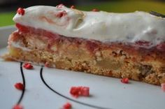 Tuc Kagen er utrolig nem og hurtig at lave og så smager den himmelsk… Danish Dessert, Danish Food, Baking Recipes, Cake Recipes, Dessert Recipes, Desserts, Cake Cookies, Cupcake Cakes, Diy Dessert