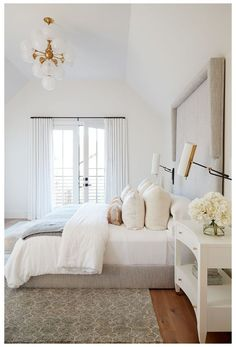 Modern Bedroom Decor, Casual Bedroom, Bedroom Ideas, Bedroom Bed, White Bedroom Decor, Master Bedrooms, Transitional Bedroom Decor, Dream Master Bedroom, White Bedroom Design