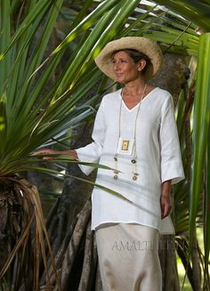 White summer linen tunic with sleeves -:- AMALTHEE -:- n° 3413 #apparel    #tropical_living