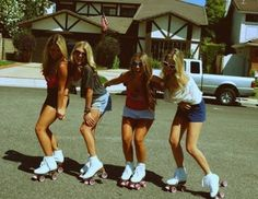 Rollerskates & sunnies