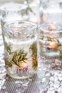 Winter Wonderland Decor: DIY Faux Ice Candle Holders – Entertaining Diva @ From … – Carpe Diem Willkommen Mason Jar Candle Holders, Mason Jar Candles, Diy Candles, Mason Jar Diy, Carpe Diem, Christmas Cocktail Party, Winter Wonderland Party, Christmas Entertaining, Christmas Table Settings
