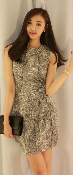 Luxe Asian Women Design Korean Model Fashion Style Vivid Rap White Dress