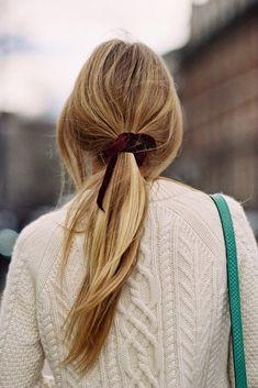 Velvet hair ribbon. Lushy details.