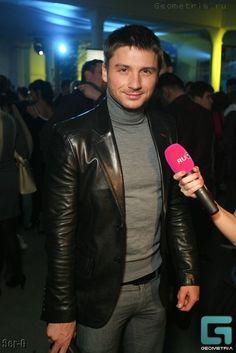Leather blazer, perfection.