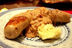veal sausage with onion sauce