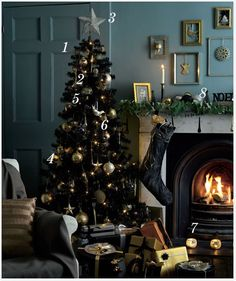 i know i have a real christmas tree and sophies pink one but i really want a black one - Christmas Black And White