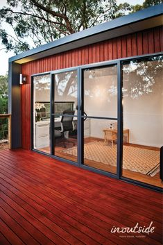 This Kamaroo design with a large deck is the perfect space to work from home and create a work/life balance. Outdoor Living Rooms, Living Spaces, Home Studio, Tiny Living, Prefab, Deck, Australia, Windows, Create
