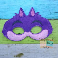 Alice Cheshire cat Felt Mask Embroidery Design  by GracefullyGeeky, $6.00