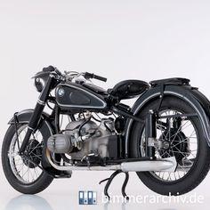 BMW R 51/3 Bmw C1, 3 Bmw, Bobber Bikes, Old Motorcycles, Bmw Vintage, Vintage Bikes, Bmw Classic, Bmw Motorbikes, Bmw Boxer