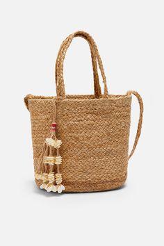 ZARA - Female - Natural jute tote bag - Natural - M Zara Portugal, Jute Tote Bags, Knitted Bags, Zara Women, Up Styles, Sea Shells, Straw Bag, Women Accessories, Pom Poms