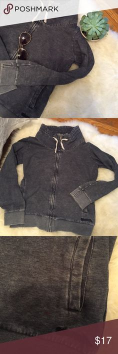Bench zip up Has some stains (since it's a very worn style, it never bothered me anyways), piling, signs of wear. Thumb holes. Sooooo comfy. I used to love this sweater! I just stopped wearing it because of some new clothes Bench Tops Sweatshirts & Hoodies