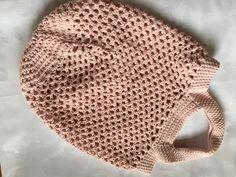 Süsses Einkaufsnetz aus Baumwolle in rosa. Echte Handarbeit. Die besondere Geschenkidee für Weihnachten! Weitere Farben auf Anfrage unter kontakt@wolleundgarn.ch. Crochet Hats, Beanie, Fashion, Pink, Threading, Handarbeit, Breien, Cotton, Gifts