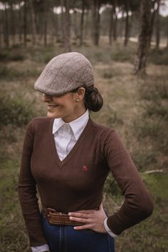 Equestrian helmets might not be the most significant style feeling today, but there are some stories behind them. The distinct design of the helmet, kept even in nowadays of modern materials and ad… Equestrian Boots, Equestrian Outfits, Equestrian Style, Riding Hats, Horse Riding, Riding Breeches, English Riding, Cool Fabric, Advanced Style