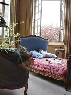 French Country Bedrooms, French Country Decorating, French Interior, Interior Design, Chateau De Gudanes, Vibeke Design, Headboard Designs, Headboard Ideas, Decoration Inspiration