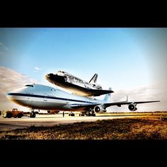 Because I love this sight. Nasa Space Program, Space Shuttle, Spaceship