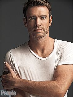 Scott Foley : one of People's sexiest man of 2013 [Video]