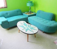 retro home furniture in green and turquoise Sala Vintage, Vintage Design, Vintage Decor, 1950s Decor, Mid Century House, Mid Century Style, Mid Century Design, Retro Furniture, Sofa Furniture