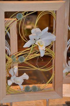 """framed"" - desk design with midolino & cattleyas"
