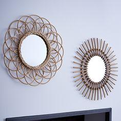 Miroir rotin - idée déco  http://www.zodio.fr/idees-deco/noel-paradis-23/piece/le-salon.html