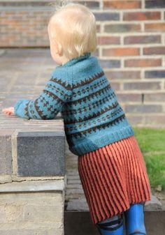 Strikket nederdel til børn – Flid Leg Warmers, Fashion, Threading, Moda, La Mode, Fasion, Fashion Models, Trendy Fashion