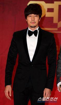 So Ji Sub @ SBS Drama Awards 2012 Red Carpet