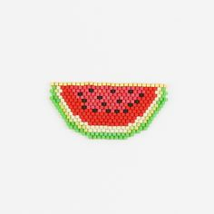 Watermelon weaving with  Miyuki Delicas Peyote Patterns, Beading Patterns, Seed Bead Jewelry, Seed Beads, Miyuki Beads, Seed Bead Projects, Bead Loom Bracelets, Beaded Animals, Tapestry Crochet