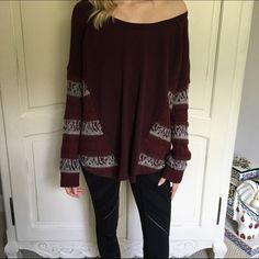 Free People Sweater Super cute sweater, I usually wear a size small but got this in a large for a more oversized fit! Has sweatshirt material on the body and sweater material on the arms. Super flattering and comfy! In great condition! Free People Sweaters Crew & Scoop Necks