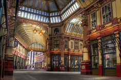 Leadenhall Market, London. I was here June 2011, on a Sunday, all the shops were closed. (LW13-5)