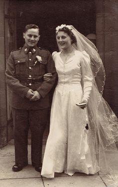 40s bride wedding dress found photo.
