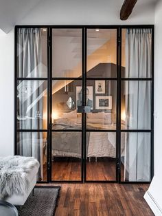 Guides to Choosing A Glass Door Design That'll Fit Your House - Home Decoration Modern Studio Apartment Ideas, Studio Apartment Decorating, Apartment Interior, Studio Apartment Living, Apartment Bedrooms, Glass Wall Design, Door Design, Screen Design, Bedroom Doors