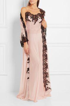 Rosamosario | Classica Bellezza Chantilly lace-trimmed silk-georgette robe | NET-A-PORTER.COM
