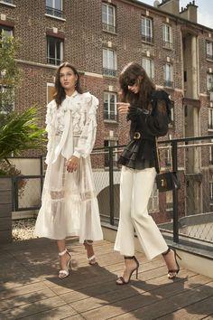 Vogue Fashion, Runway Fashion, Fashion News, Fashion Beauty, Fashion Trends, Capsule Outfits, Chic Outfits, Flowing Dresses, Haute Couture Fashion