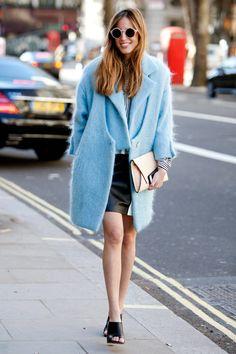 More London Street Style Fall 2014 - LA Social Fashionista Fashion Blogger Style, Look Fashion, Fashion Photo, Autumn Fashion, Blue Fashion, London Fashion Weeks, Milan Fashion, Winter Trends, Mode Style