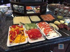 Das Frühstücksbuffet im Hotel New Berlin - Nail Art Hotel Breakfast, New Berlin, Oats Recipes, Baked Oatmeal, Eat, Ethnic Recipes, Lifestyle, Food, Travel
