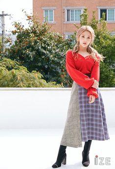 Seoyeon I Love Girls, Cool Girl, South Korean Girls, Korean Girl Groups, Lee Seo Yeon, Cute Edgy Outfits, Glass Shoes, Fandom, Ulzzang Korean Girl