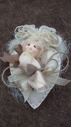 """Ho realizzato con grande soddisfazione le bellissime creazioni delle """"Pigottine di Vanda""""una serie di bambole di cui mi sono letteralmente invaghita.Ogni qual volta ne realizzo una mi…"""